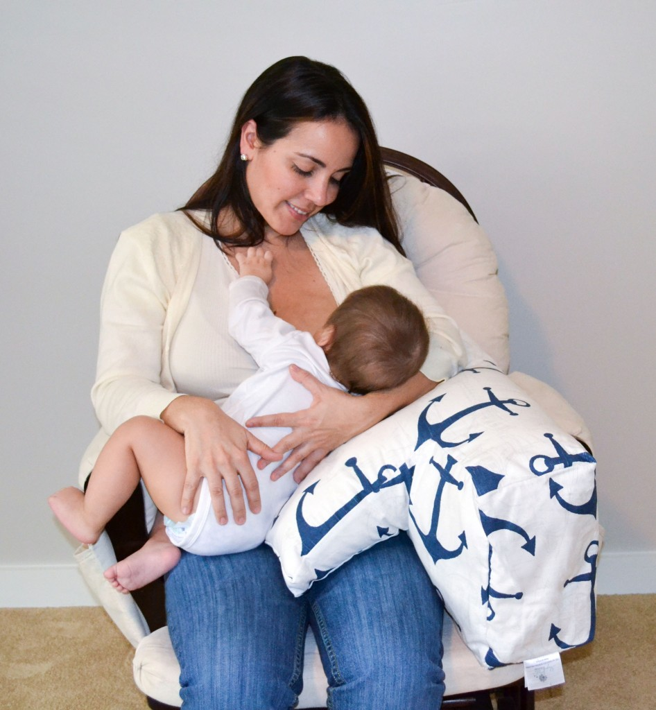 nursing-pillow-best-breastfeeding-mom-baby-support